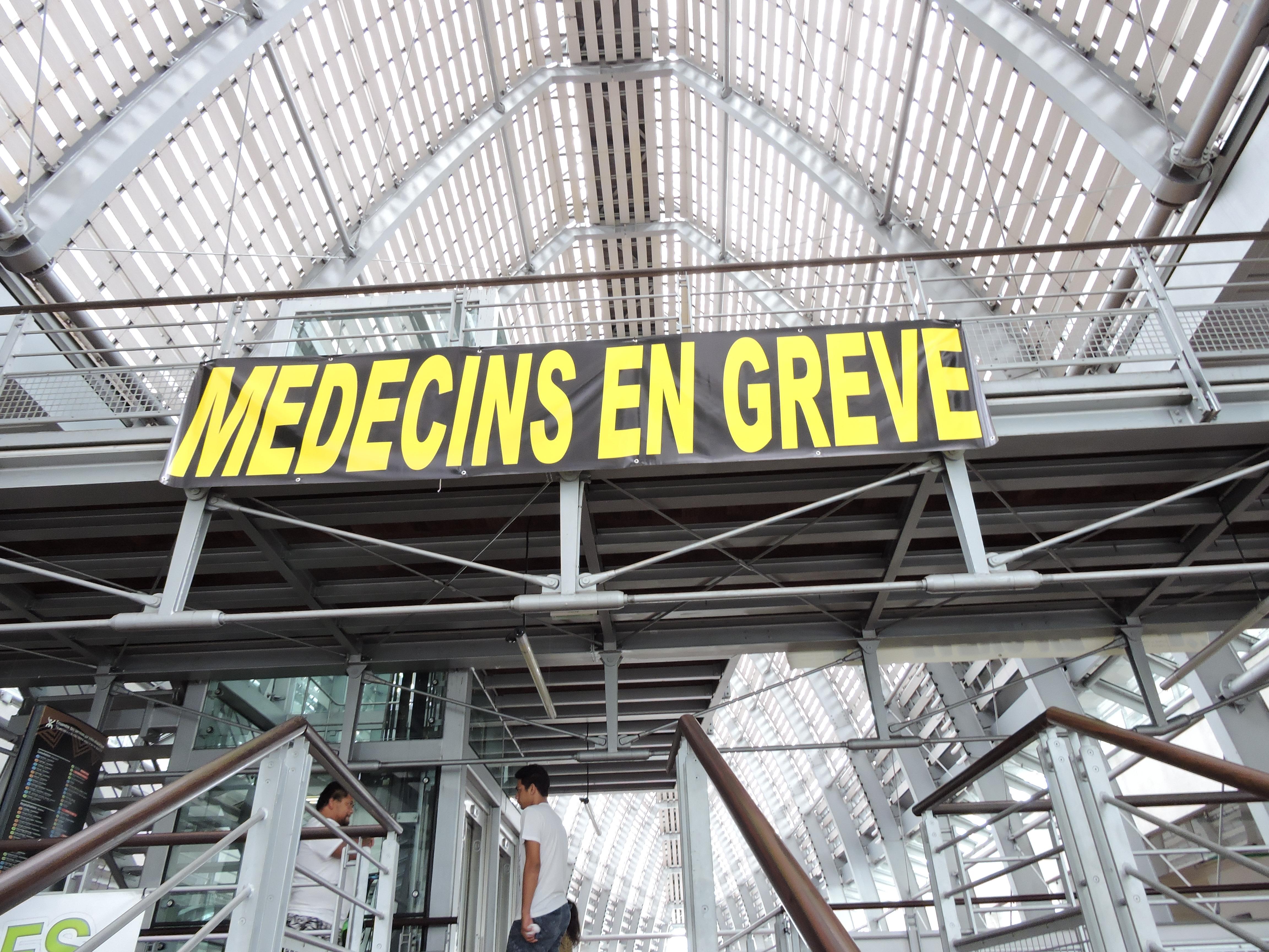Grève des médecins hospitaliers : les négociations patinent