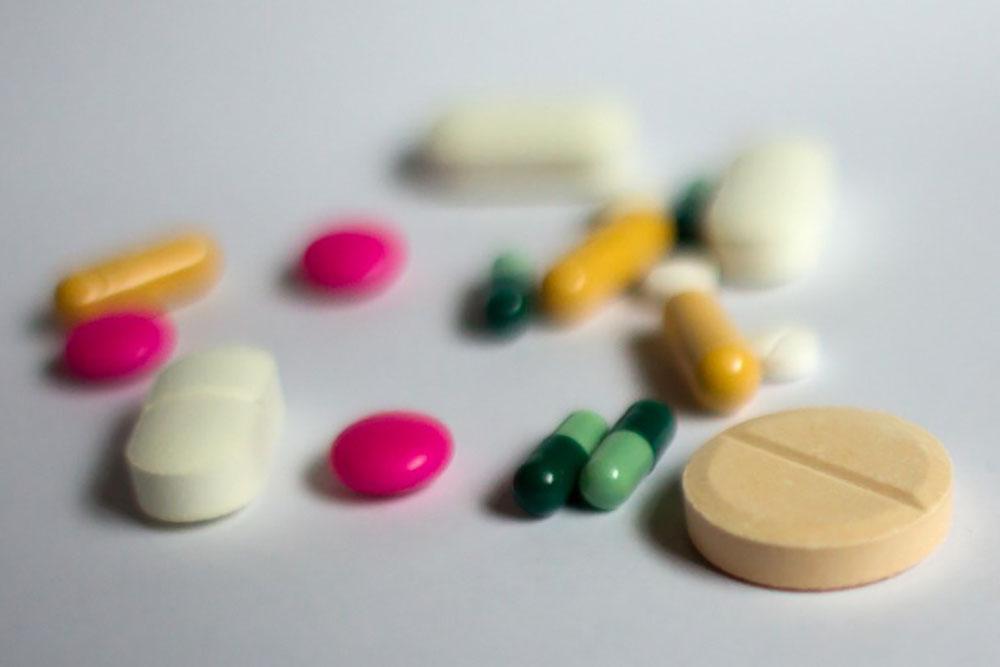 """Automédication: 60 millions de consommateurs dresse sa """"liste noire"""" des médicaments à éviter"""