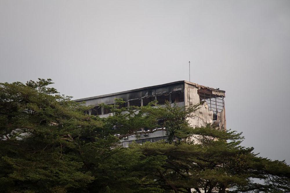 Cameroun: spectaculaire incendie à l'Assemblée nationale à Yaoundé