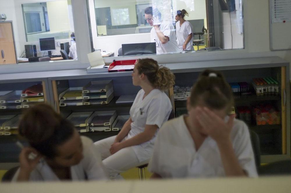 De la blague au harcèlement, les internes en lutte contre le sexisme à l'hôpital