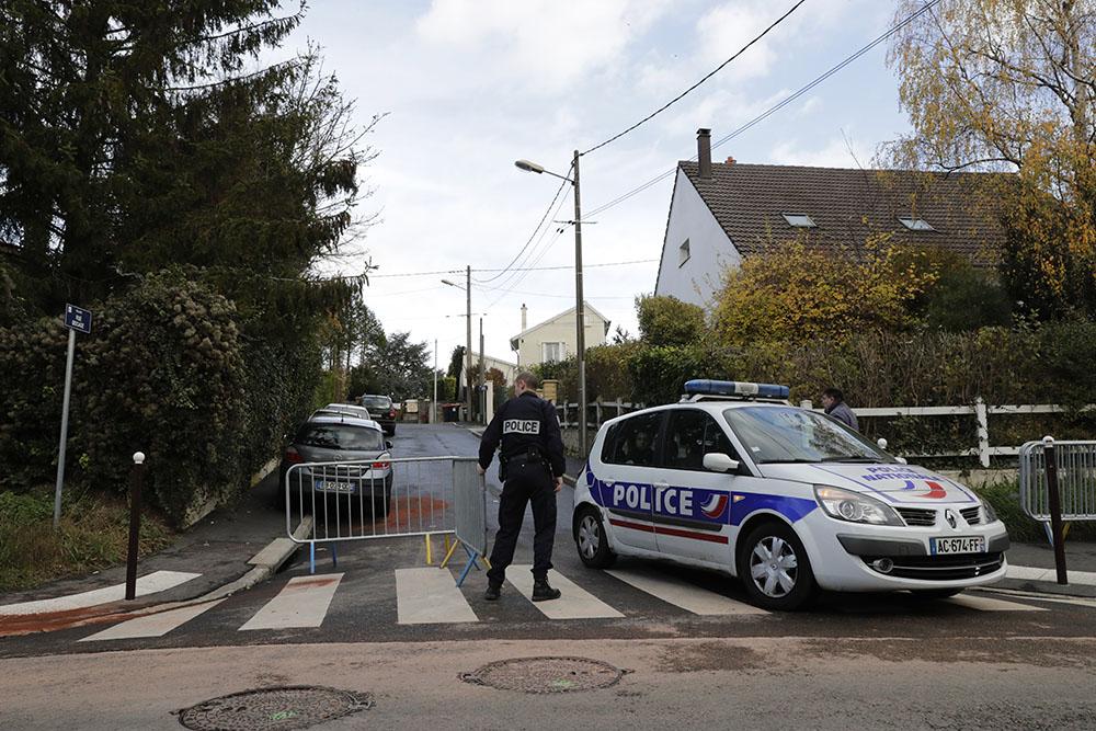 Sarcelles : un policier en pleine séparation tue trois personnes avant de se suicider