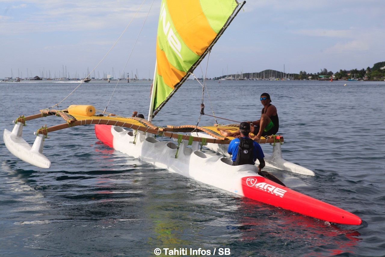 Une grande première à Tahiti, une V6 à voile