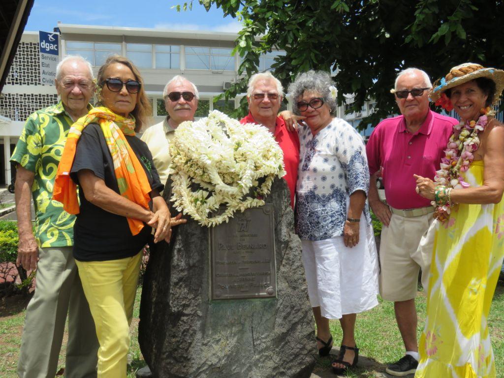 """L'hommage des """"anciens"""" de l'aviation civile à Paul Bernard"""