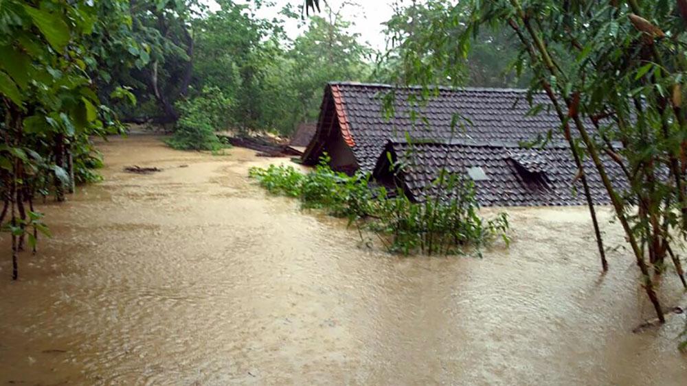 Inondations et glissements de terrain font 11 morts en Indonésie