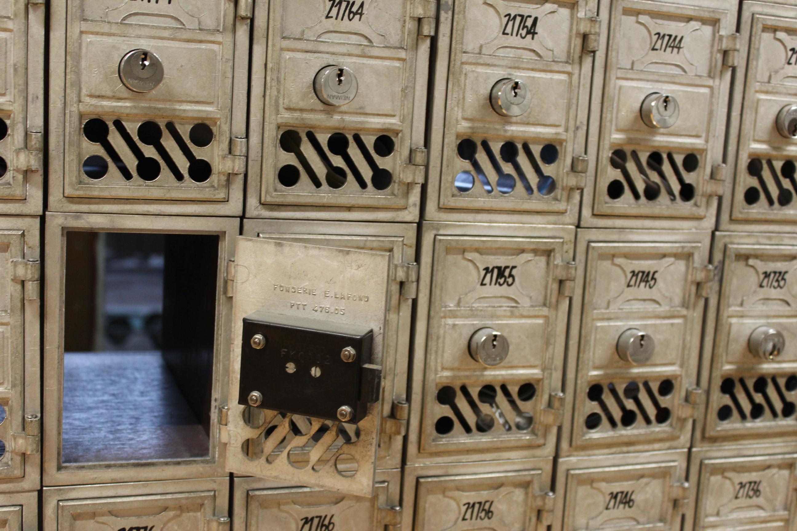 De nombreux Polynésiens attendent l'arrivée de leur colis mais trouvent leur boite aux lettres vide.