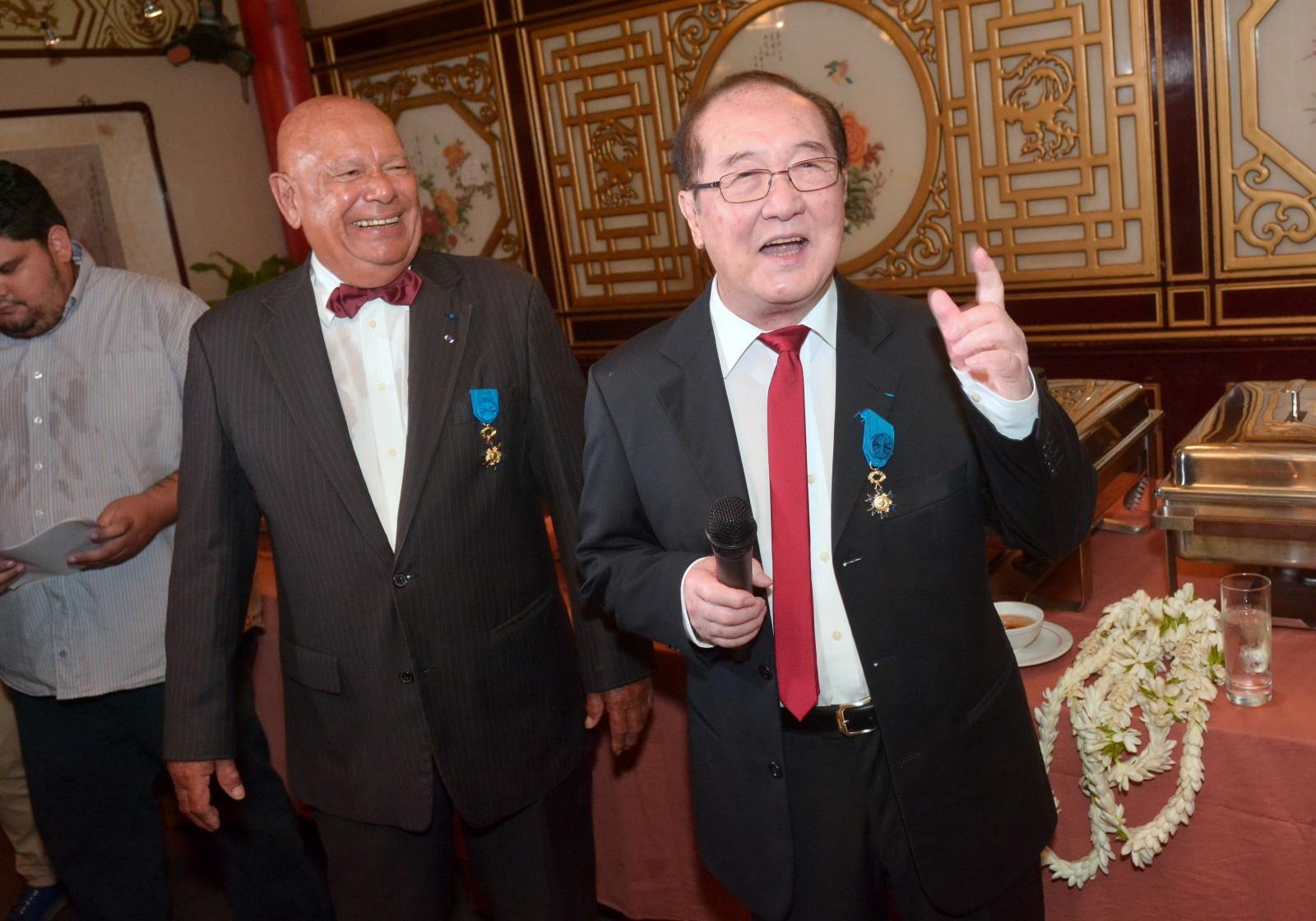 Paul Yeou Chichong élevé au grade d'officier de l'Ordre National du Mérite