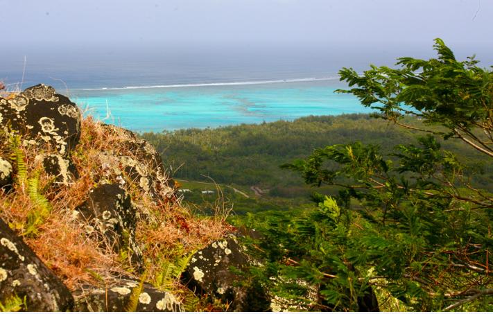 Tubuai, un savant mélange de lagon turquoise et de montagne, de quoi satisfaire tous les publics.