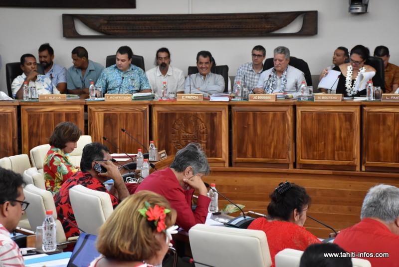 Le budget 2018 de la Polynésie française est adopté par 36 voix