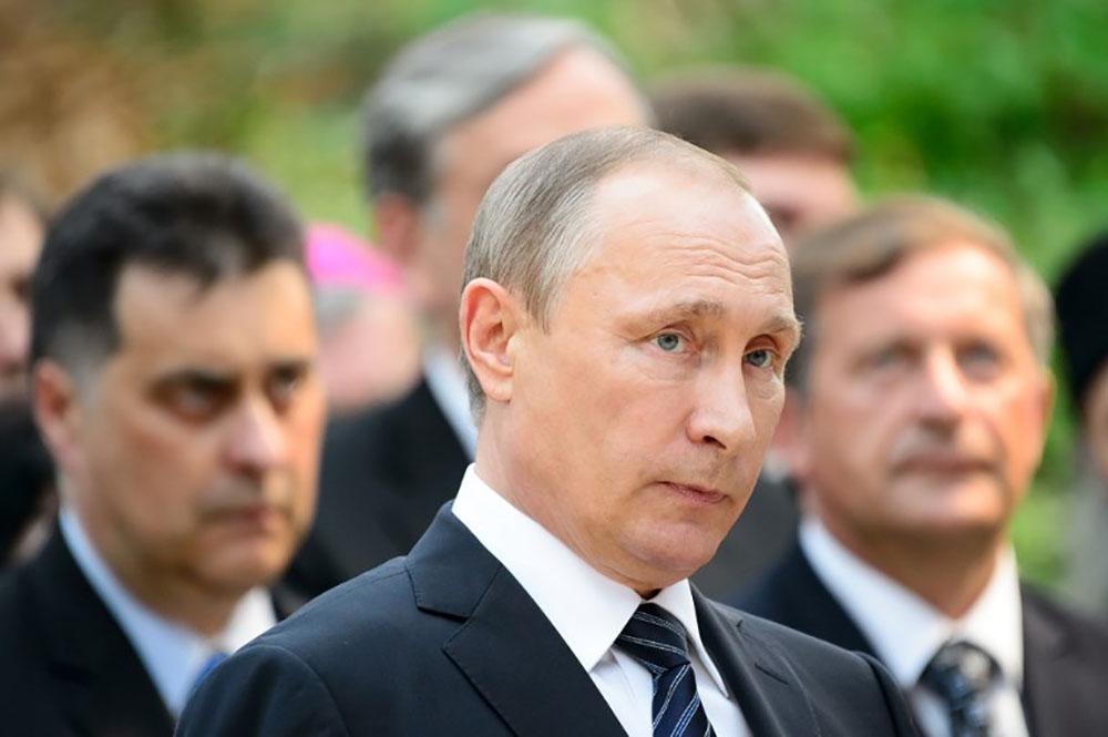 """Poutine ordonne le retrait d'une """"partie significative"""" des forces russes en Syrie"""