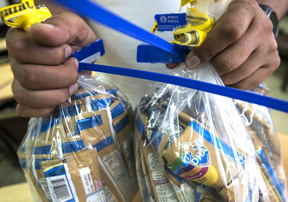 Salmonelle: un total de 625 lots de laits infantiles rappelés, dépôt de plainte lundi