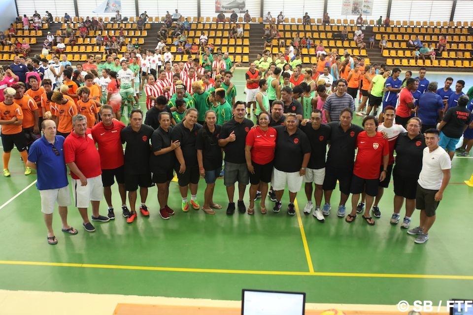 La grande famille du futsal avec le staff FTF