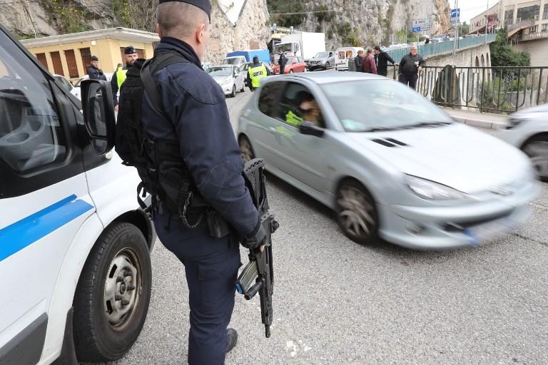 Arrêt-maladie de policiers contre leurs conditions de travail à la frontière italienne