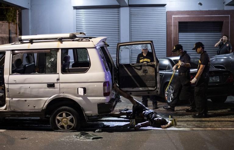 La police philippine tue par erreur une femme blessée en route pour l'hôpital