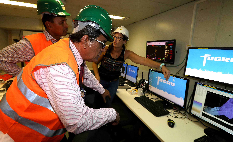 Câble Natitua : visite du navire Fugro supporter