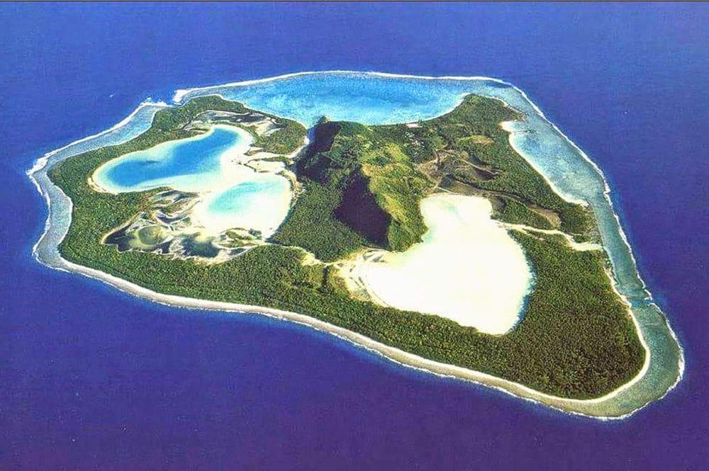 Vue aérienne de Maiao (crédit : Tahiti Héritage)