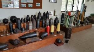 La collection de travail de l'équipe NEDEx permet aux démineurs de se former sur les différents types d'objets rencontrés en Polynésie française