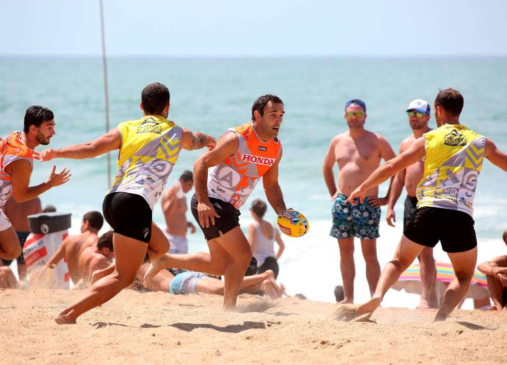 A l'instar du beach soccer, le beach rugby se joue sur du sable