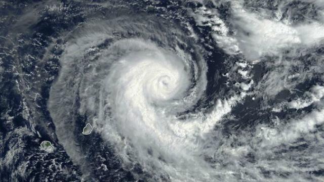 Berguitta se rapproche du sud de La Réunion, fortes pluies et cours d'eau en crue