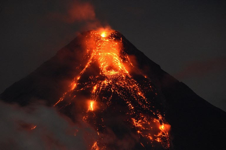 Volcan philippin: les autorités veulent évacuer de force les récalcitrants