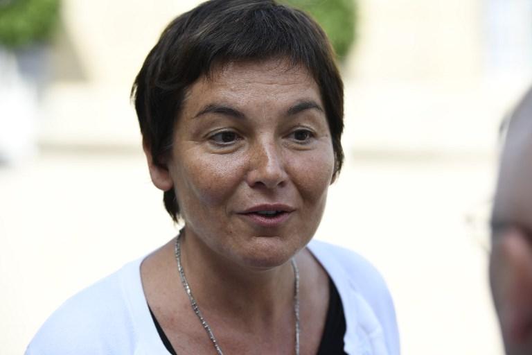 """Annick Girardin: la France """"assume les essais nucléaires en Polynésie"""""""