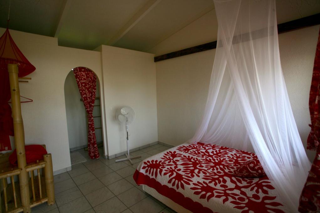 Une des chambres de la pension Taitaa.