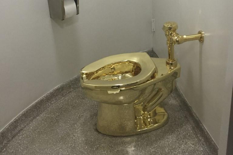 La Maison Blanche voulait un Van Gogh, le Guggenheim propose des toilettes en or
