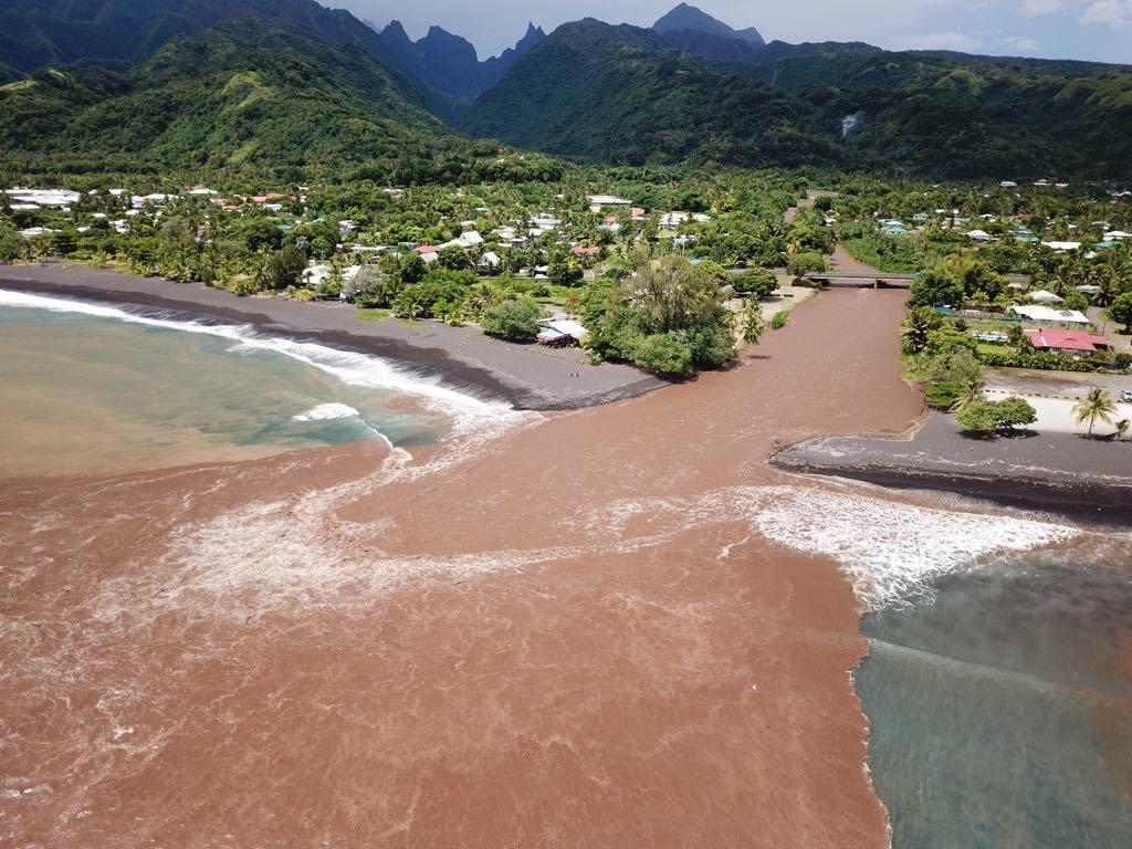 Surf – Taharu'u : Le spot de Papara méconnaissable