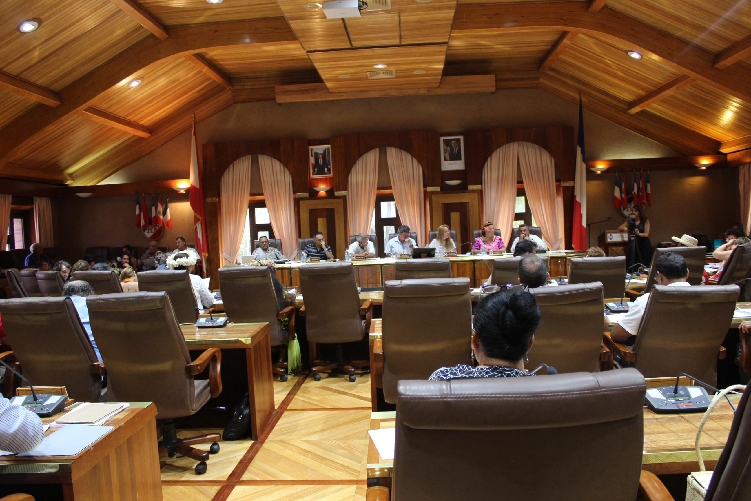 Le CESC a voté contre le projet de loi, avec 27 conseillers pour un avis défavorable et 14 qui se sont abstenus.