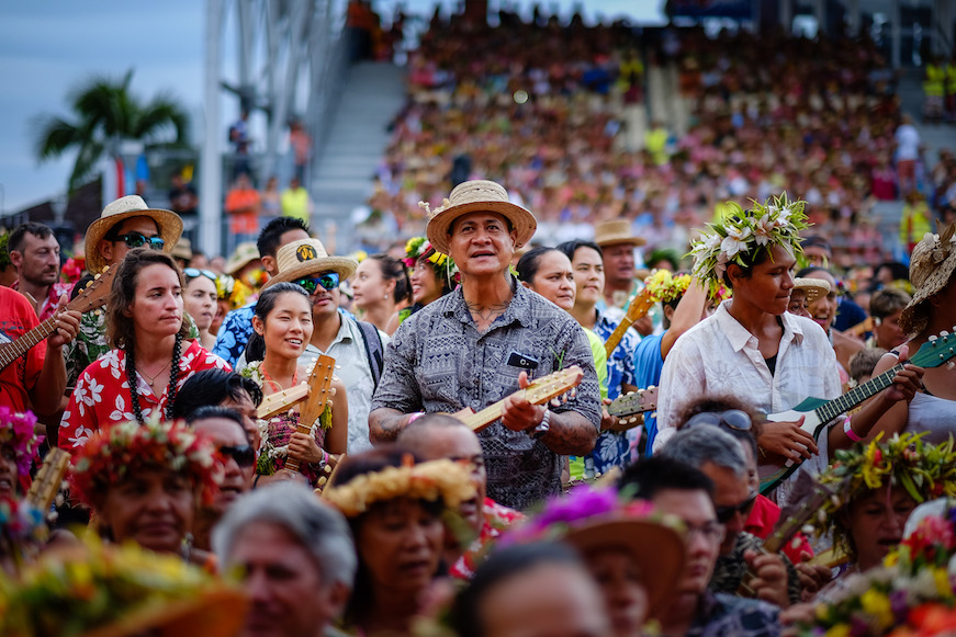 Le 11 avril 2015, les Polynésiens ont inscrit le nom du pays dans le Guinness des Records en mobilisant 4792 joueurs de ukulele dans l'arène de To'ata (Crédit photo : Stéphane SAYEB).