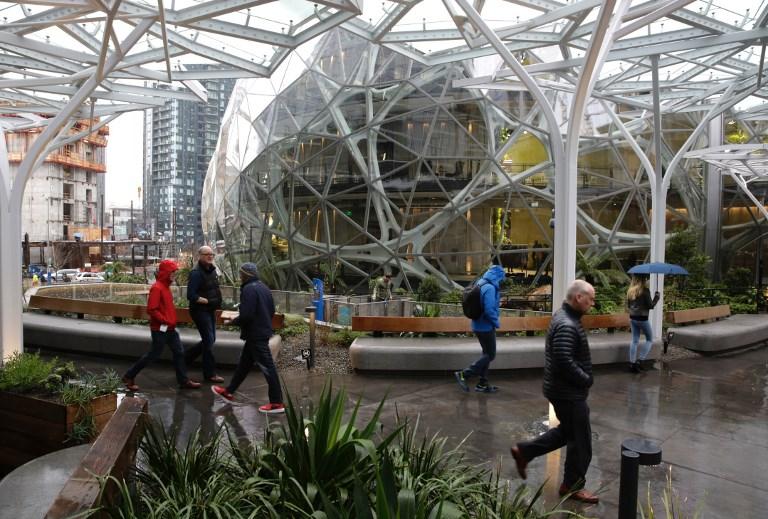 """Amazon ouvre des """"biosphères"""" pour rendre ses employés plus efficaces"""