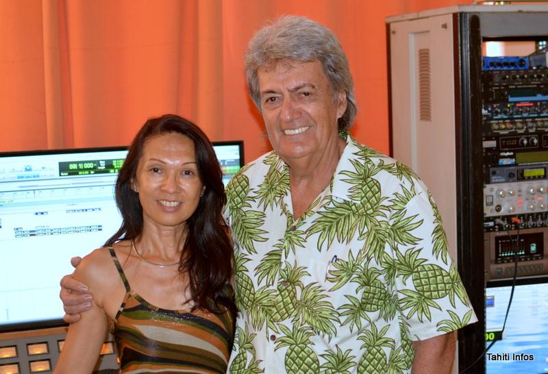 John Gabilou et Claudia Haustien dans le studio Harmonie Prod de Papeete, le studio préféré de nombreux autres artistes comme Sabrina, Teiva LC, Grace Laughlin ou encore Tensia.
