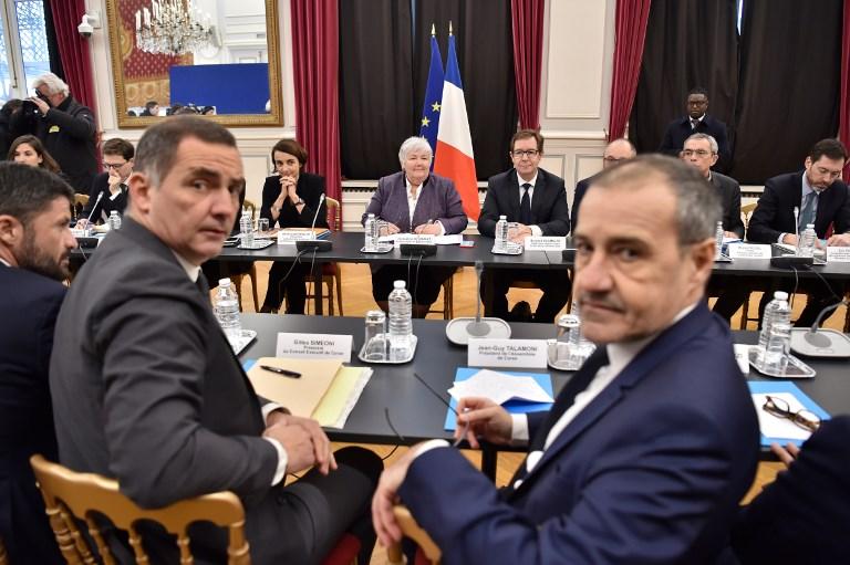 """Corse: une réunion """"constructive"""" à Paris malgré les soubresauts de l'affaire Pieri"""