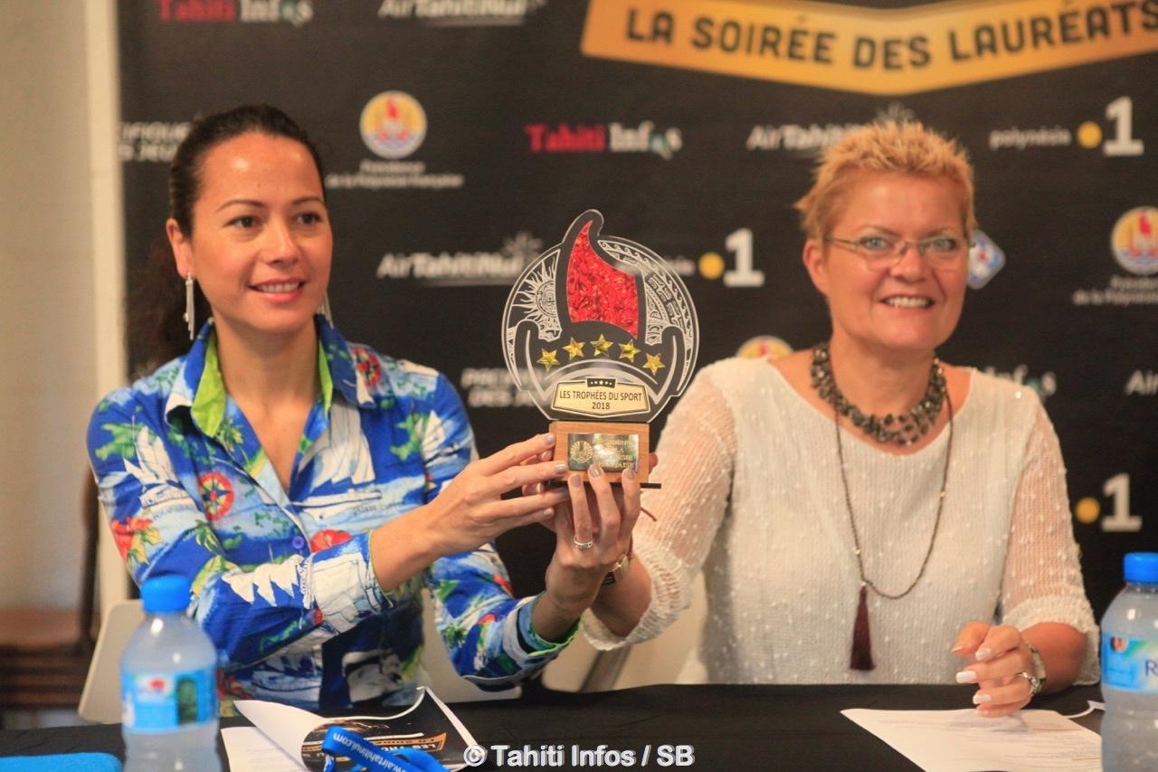 Cécile Tiatia et Nathalie Montelle présentent le Trophée