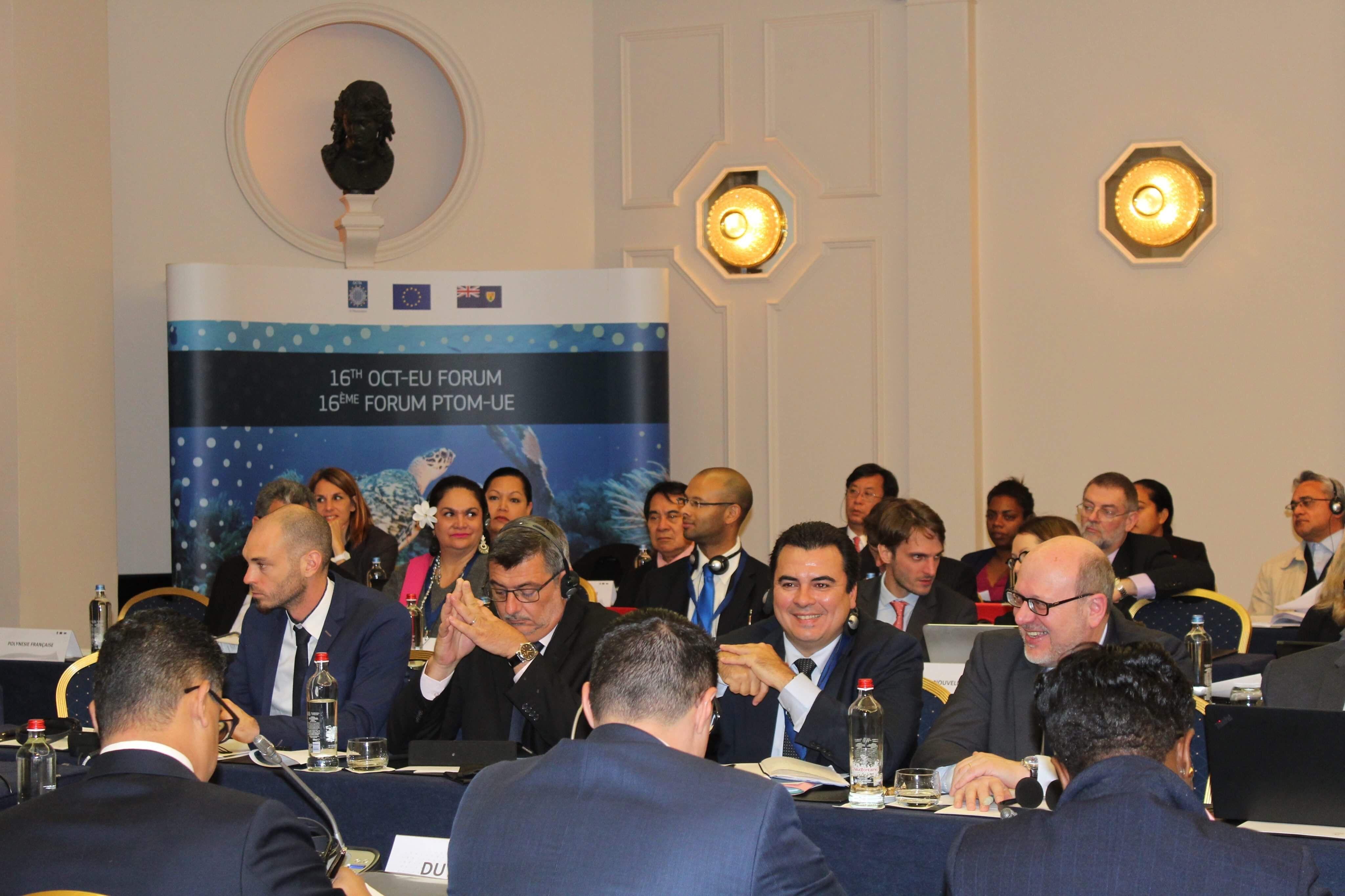 Le vice-président de la Polynésie française, Teva Rohfritsch lors la 16ème conférence ministérielle de l'Association des 25 pays et territoires d'Outre-mer européens (OCTA), jeudi, à Bruxelles. Crédit photo : Présidence de la Polynésie française.