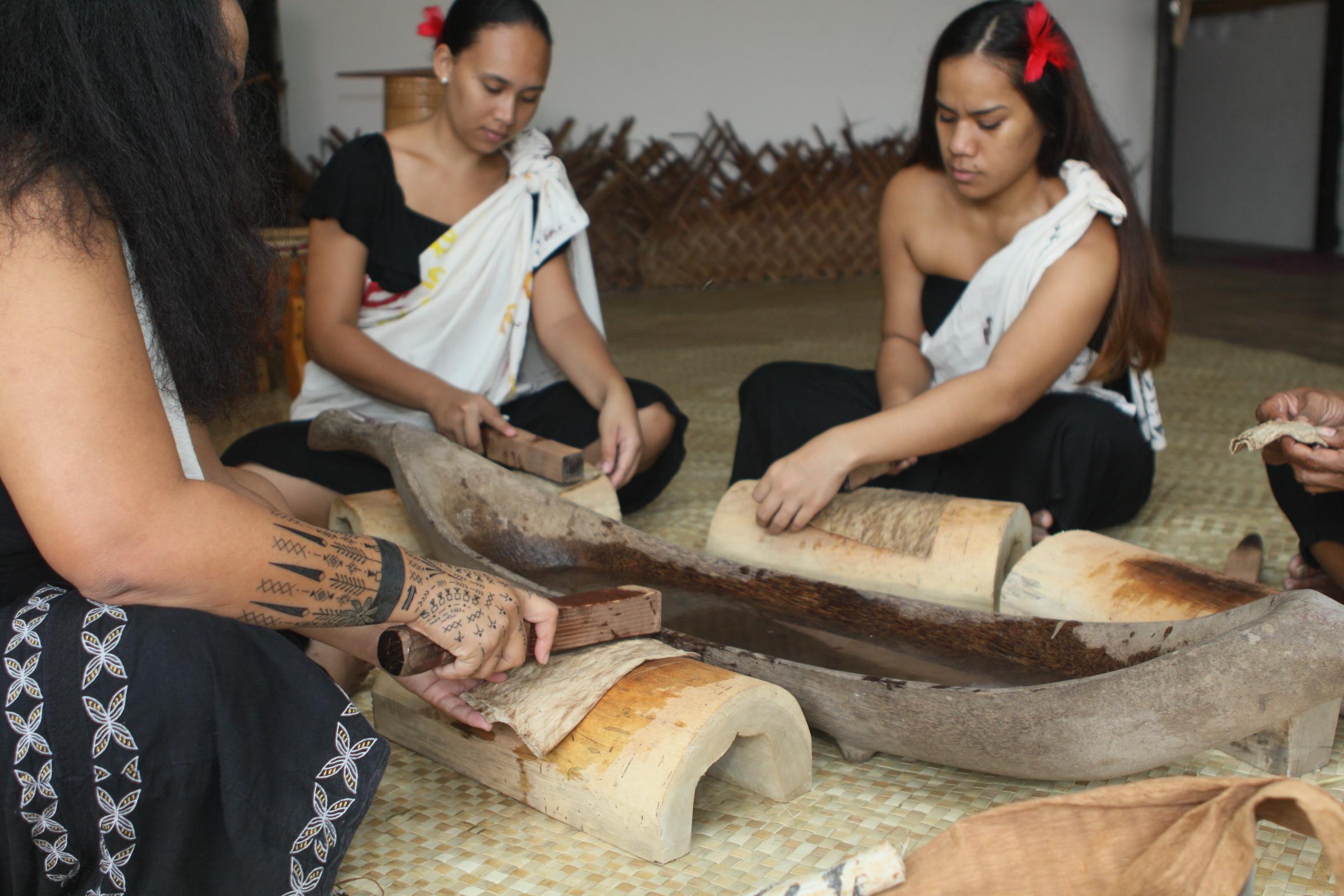 La visite sera suivie d'un atelier pratique, qui permettra à chacun de créer son propre tapa.
