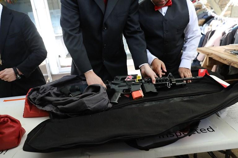 Deux grandes enseignes américaines restreignent la vente d'armes