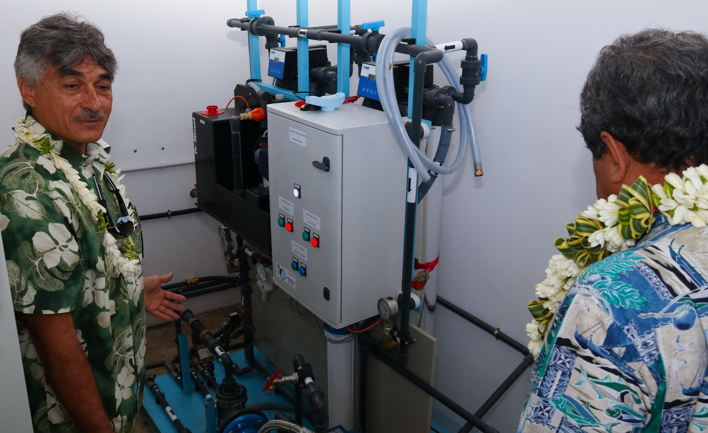Un bâtiment avec machine à glace pour les pêcheurs de Faratea