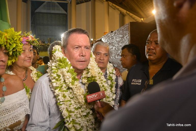 Rony Tumahai après sa réélection à la mairie de Punaauia, en mars 2014.