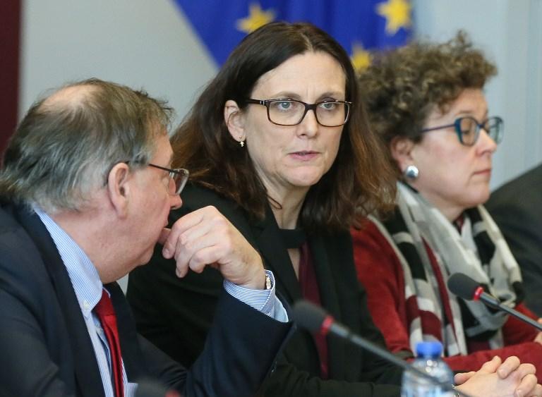 """Taxes américaines: l'UE promet de répondre aux """"intimidateurs"""""""