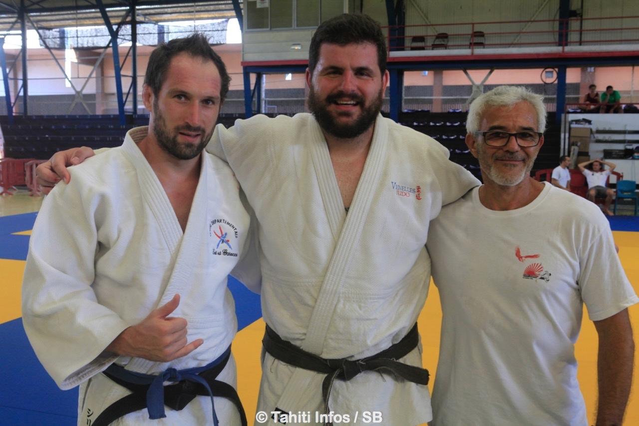 Cyril Gaudemer, à gauche. Jérémy Picard au centre, avec son coach