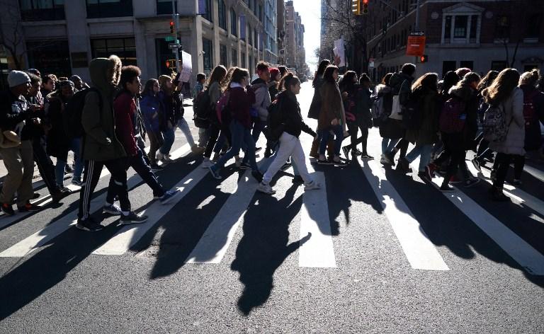 """""""Plus jamais ça"""": le cri des élèves américains contre les armes"""