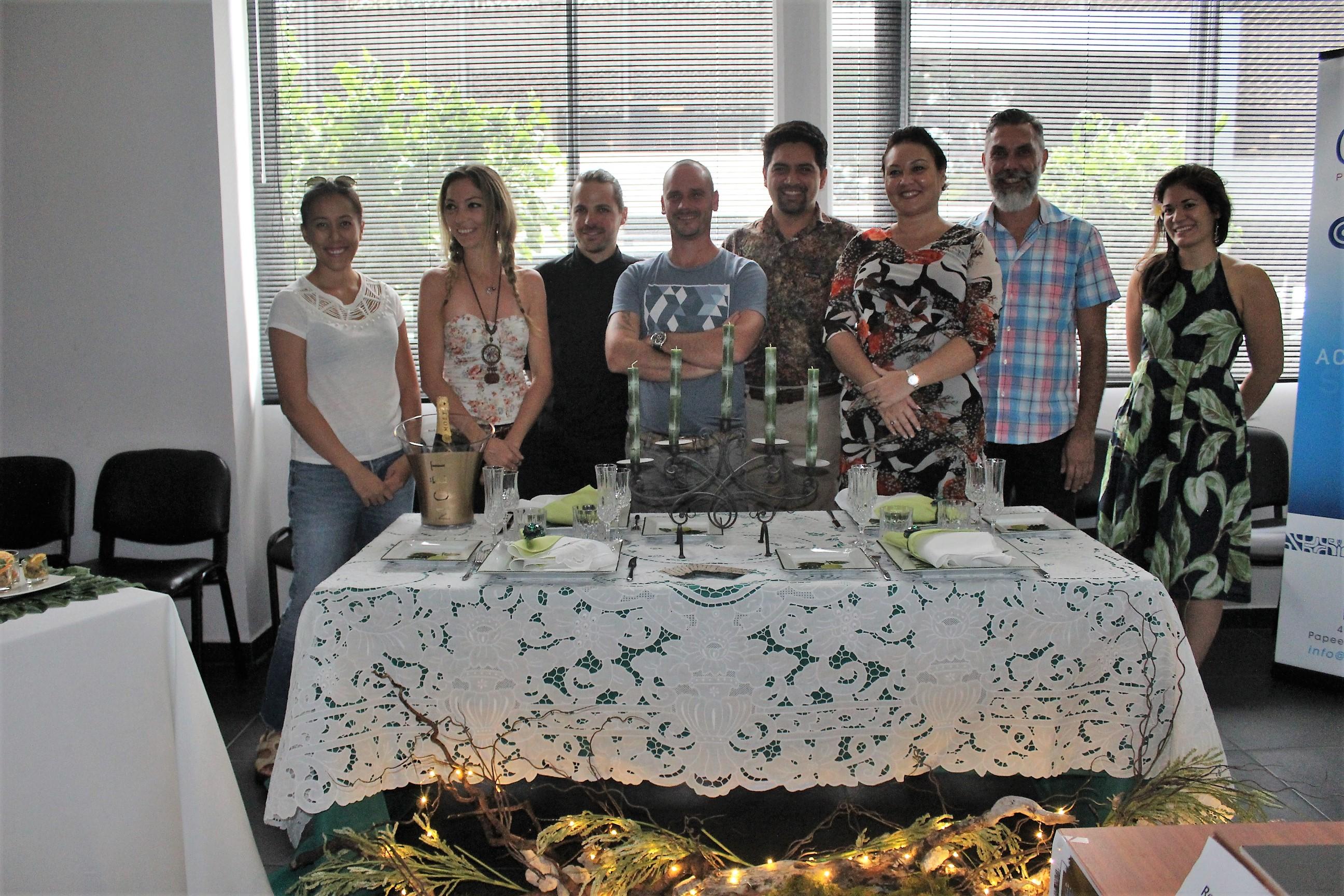 Les équipes de l'Atelier de Beverly, du restaurant O Belvédère, de la Chambre de Commerce, d'Industrie, des Services et des Métiers, de Earth Hour Tahiti et de AB&B Consulting.