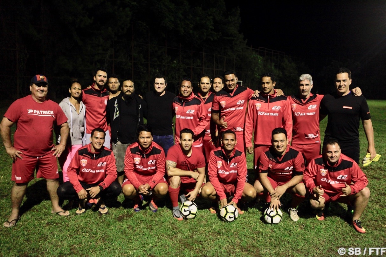 Jonathan Torohia soutient également l'équipe Air Tahiti, leader du championnat entreprise