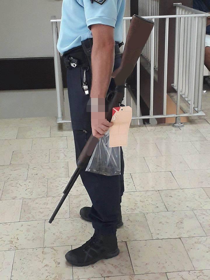 Prison ferme pour avoir menacé deux individus avec une carabine