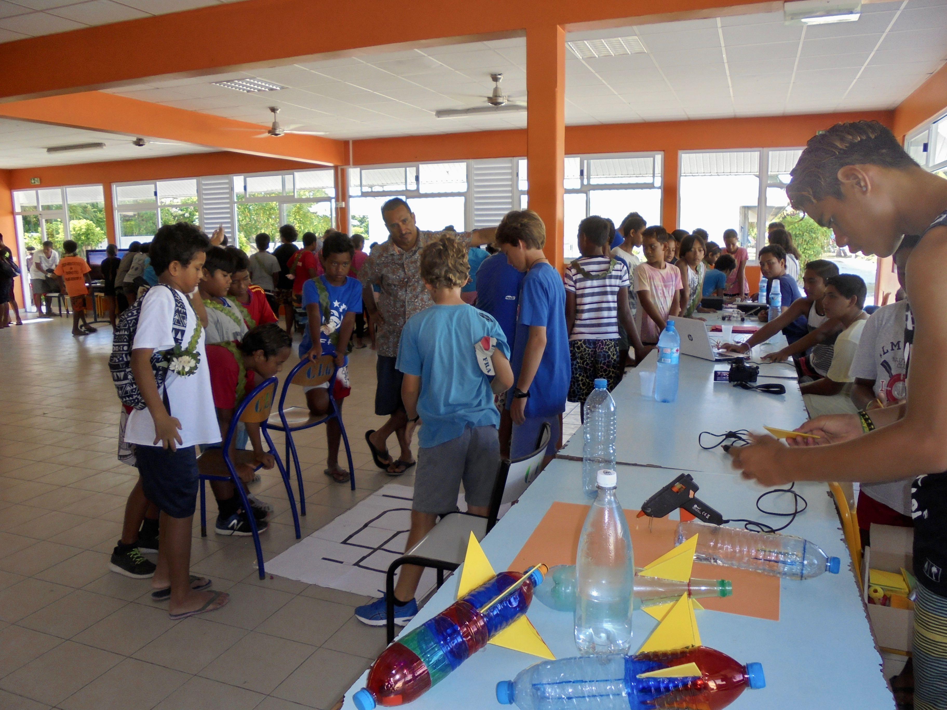 La fête de la science au collège de Makemo s'est tenue le 14 mars dernier.