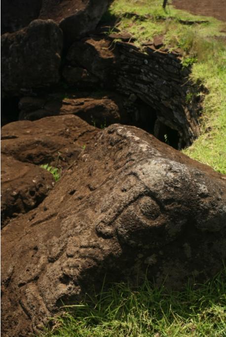 Qui était Make Make dans le panthéon pascuan ? Personne, en réalité, n'en sait rien. Est-il apparu après le renversement des moai, avant, pendant ? Mystère…