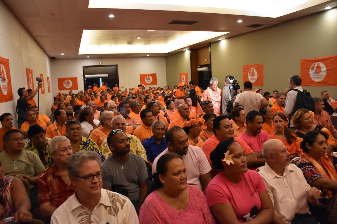 Selon le compte du Tahoera'a Huiraatira, 350 personnes ont participé à ce grand conseil.