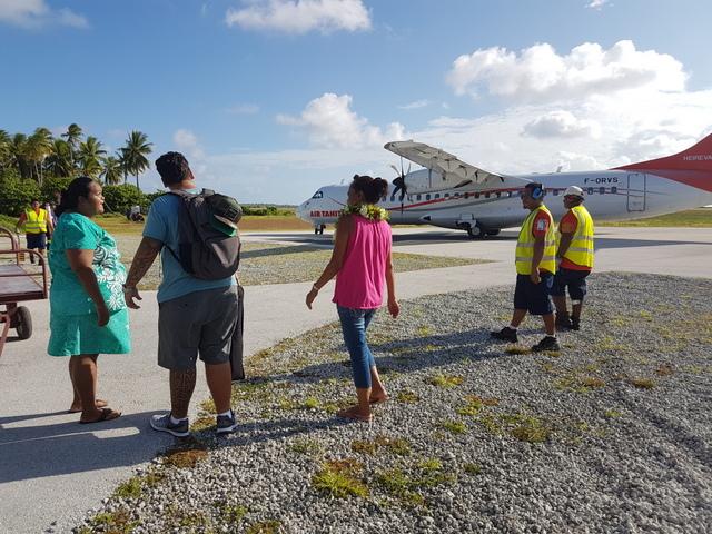 Malgré les propositions des agents d'Air Tahiti, les passagers ont refusé de partir sans leurs bagages.