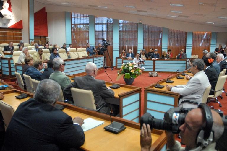 Référendum en Nouvelle-Calédonie: la formulation de la question en débat à Matignon