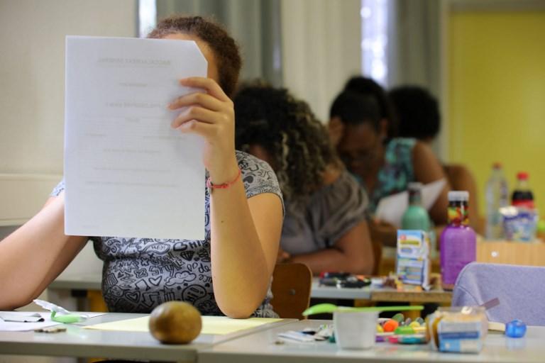 Bosnie: pour éviter les examens, l'arme de l'alerte à la bombe